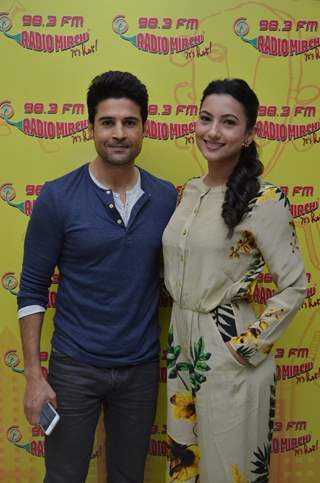 Rajeev Khandelwal and Gauahar Khan Promotes 'Fever' on Radio Mirchi
