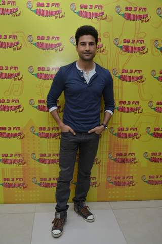 Rajeev Khandelwal  Promotes 'Fever' on Radio Mirchi