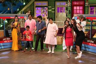 Sonakshi Singh along with Kapil's Show cast at Promoes 'Akira' On sets of The Kapil Sharma Show