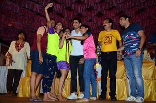 Baba Siddique and Gurmeet Choudhary at Dahi Handi Event