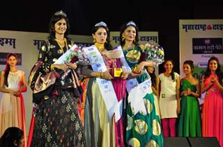Sonali Kulkarni at Grand Finale of 'Shravan Queen'