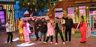 Shankar Ehsaan Loy dances with cast of Kapil Sharma's show on the sets of The Kapil Sharma Show