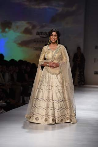 Saakshi Tanwar walks the ramp at Amazon Fashion Week