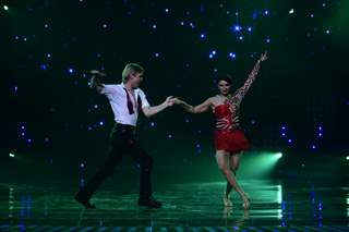 Aashka Goradia performs with her boyfriend Brent Goble on 'Nach Baliye'