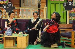 Asha Parekh and Helen fun moments with Kiku Sharda on the sets of 'The Kapil Sharma Show'