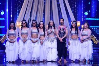 Mohit & Sanaya perform with Banjara Girls on the sets of Nach Baliye 8