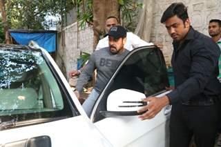 Salman Khan clicked in the city