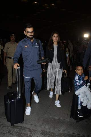 Virat - Anushka at the Airport