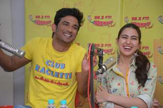 Sushant Singh Rajput and Sara Ali Khan promoting Kedarnath at Mirchi studio
