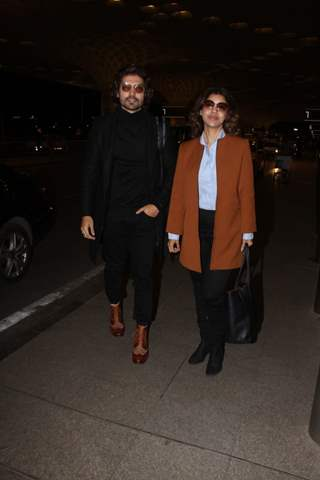 Gurmeet Choudhary and Debina Bonnerjee snapped at Mumbai Airport