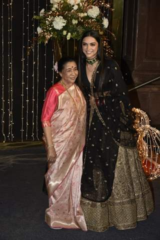 Deepika Padukone with Asha Bhosle at Priyanka Chopra and Nick Jonas Wedding Reception, Mumbai