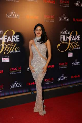 Janhvi Kapoor attend Filmfare Awards
