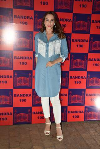 Celebrity Iulia Vantur snapped at Bandra 190 exhibition
