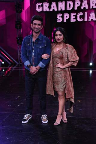Singh Rajput and Bhumi Pednekar visit the sets of Super Dancer 3 for the promotions of Sonchiriya!