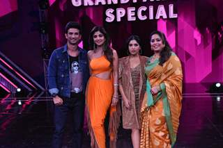 Sushant Singh Rajput and Bhumi Pednekar visit the sets of Super Dancer 3!