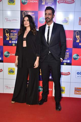 Arjun Rampal papped at Zee Cine Awards!
