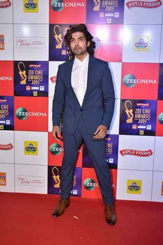 Gurmeet Choudhary papped at Zee Cine Awards!