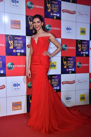 Deepika Padukone papped at Zee Cine Awards!