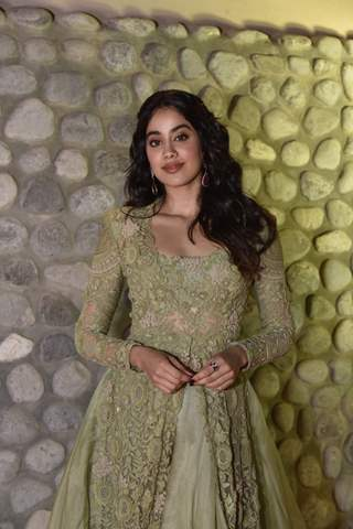 Janhvi Kapoor attends Filmfare's 1st Anniversary at Middle east!