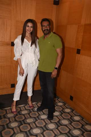 Rakul Preet Singh and Ajay Devgn snapped at the special screening of De De Pyar De