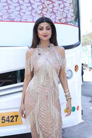 Bollywood diva Shilpa Shetty behind the sets of Super Dancer