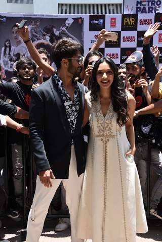Shahid Kapoor snapped with the Kiara Advani at the promotions of Kabir Singh