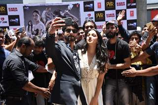 Shahid kapoor taking selfie with Kiara Advani snapped with the fans at the promotions of Kabir Singh