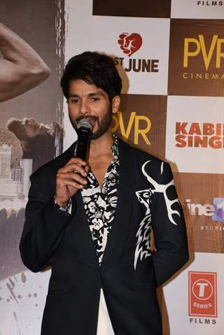 Shahid Kapoor snapped at the promotions of Kabir Singh