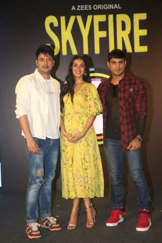Jisshu Sengupta, Sonal Chauhan and Prateik Babbar snapped at the Press Conference of Zee5 original's Skyfire