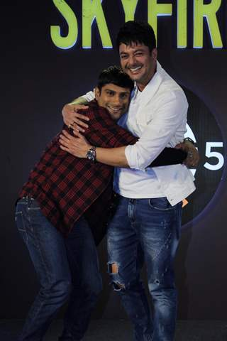 Jisshu Sengupta and Prateik Babbar snapped at the Press Conference of Zee5 original's Skyfire