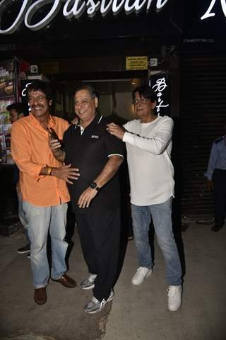 Chunky Pandey with David Dhawan at Anil Kapoor's wedding Anniversary Party