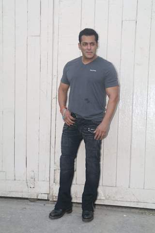 Salman Khan snapped at promotions of 'Bharat'