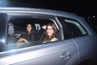 Kriti Sanon and Nupur Sanon were papped at the special screening of Super 30