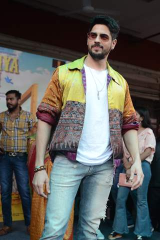 Sidharth Malhotra at the promotions of Jabariya Jodi