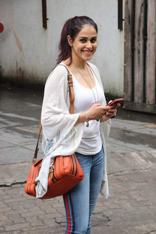 Genelia Deshmukh spotted around the town!