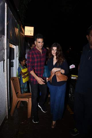 Akshay Kumar and Twinkle Khanna spotted around the town!