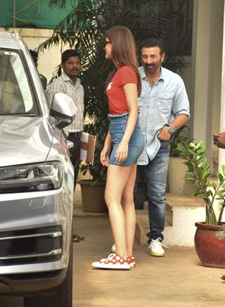 Kriti Sanon and Sunny Deol spotted around the town!