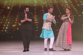 Pearl Puri, Arjun Bijani and Surbhi Jyoti on the set of Dance Deewane