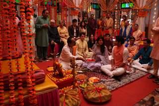Yogi (Mudit Nayar) and Gunjan (Simran Pareenja) roka ceremony