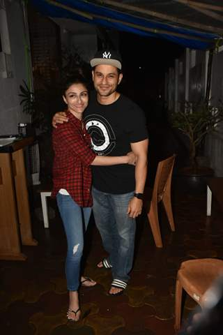 Kunal Kemmu and Soha Ali Khan were snapped around the town