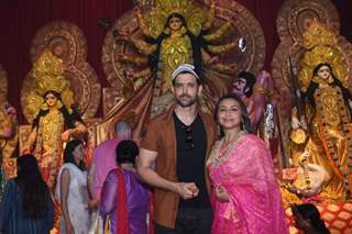 Alia Bhatt and Hrithik Roshan attend Durga Pooja!