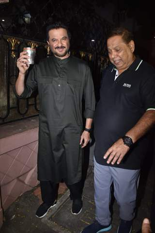 Bollywood celebrities celebrate Karva Chauth at Anil Kapoor house!