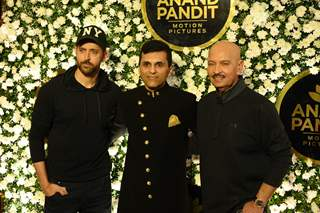 Hrithik, Anand Pandit and Rakesh Roshan