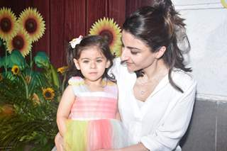 Inaaya Naumi Kemmu and Soha Ali Khan at Radhya Takhtani's Birthday Bash!