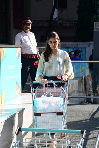 Mira Rajput Kapoor papped during a shopping spree