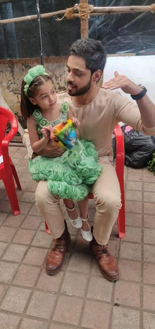 Adnan Khan playing with kids on the sets of Ishq Subhan Allah