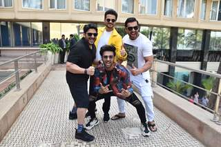 Celebs papped promoting Pagalpanti