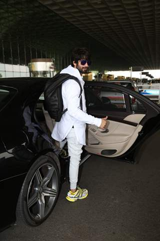 Shahid Kapoor papped at the airport
