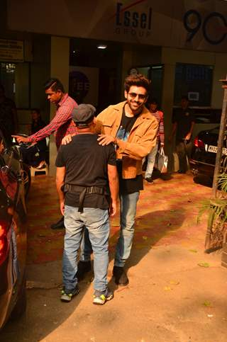 Kartik Aaryan snapped during the promotions of Pati Patni Aur Woh