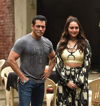 Salman Khan and Sonakshi Sinha snapped during the promotions of Dabangg 3